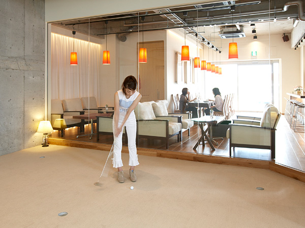 Indoor Golf & Cafe meeno
